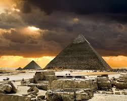 Egito desenterra parte de barco do antigo faraó Quéops