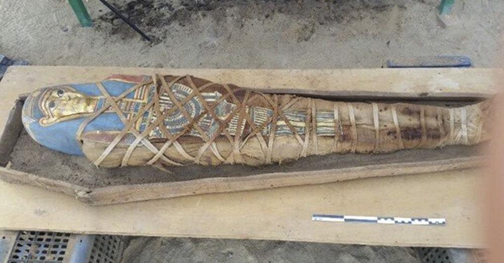 Arqueólogos russos encontraram nova múmia e sarcófago no Egito