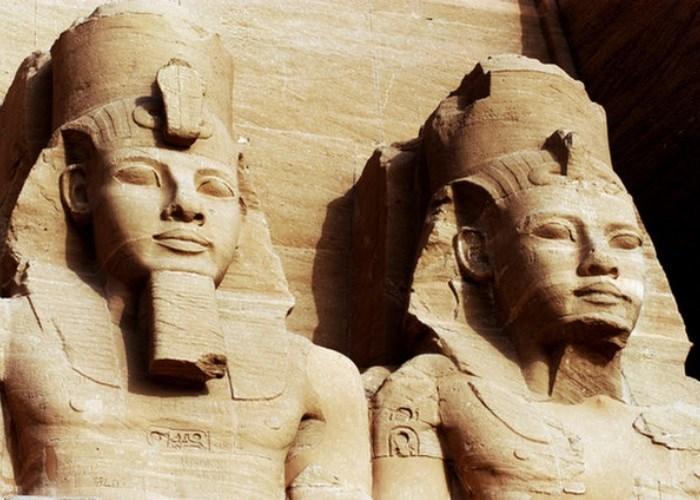 Abu Simbel, o templo construído por Ramsés II e que mudou de lugar