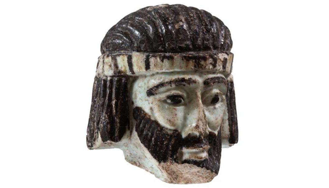 Escultura de possível rei da Bíblia é encontrada
