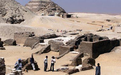 Antigo túmulo intato de sacerdote real é descoberto no Egito